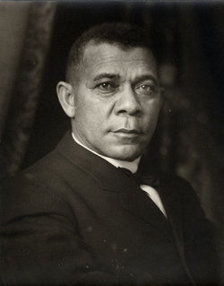 booker t washington vs dubois essays